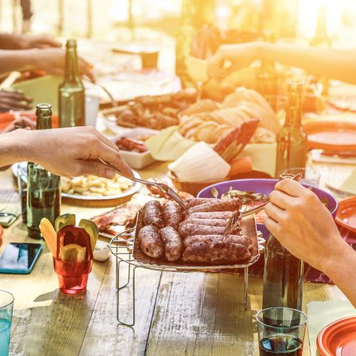 5 Tips For Hosting The Perfect Summer Sesh