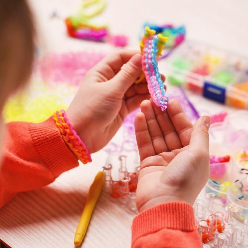 8-Year-Old Texas Girl Sells Homemade Bracelets To Raise Money For Bushfire-Affected Wildlife