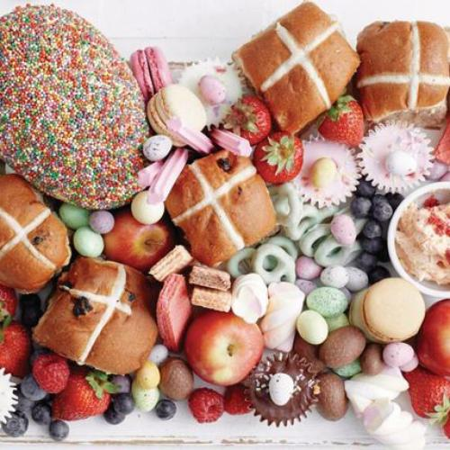 Hot Cross Bun Grazing Boards Are The Latest Trend And It's Like An Easter Dream