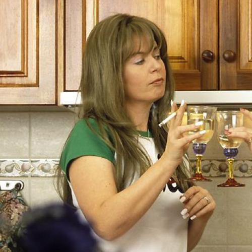 Kath & Kim Is Coming Back So Get Out Your BBQ Shapes & A Bottle of Baileys