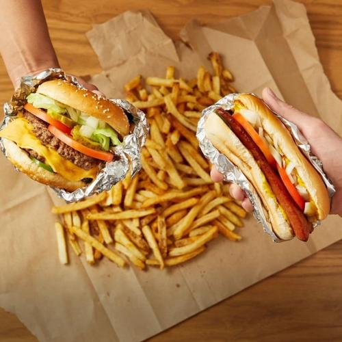 Famous US Burger Chain 'Five Guys' May Be Opening In Aus!
