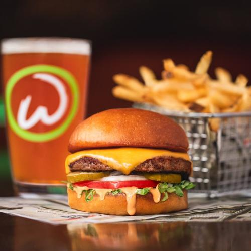 Mark Wahlburg Is Opening His Burger Chain 'Wahlburgers' In Sydney In Coming Months!
