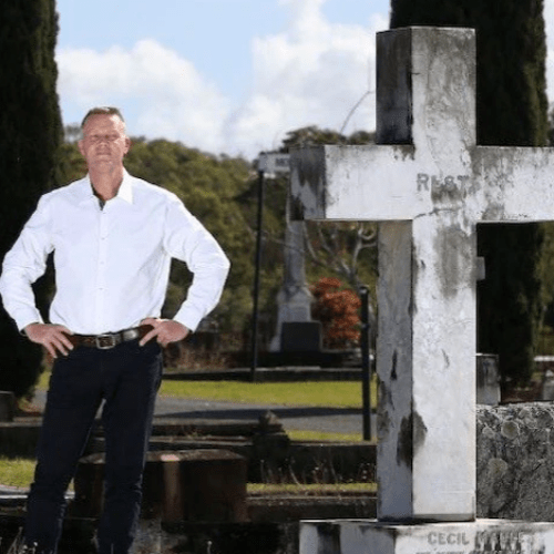 This Man Reveals People's Deep Dark Secrets At Their Funeral!
