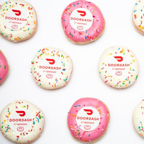 Here's How To Get A Free Box Of Krispy Kreme Doughnuts With DoorDash This Weekend!
